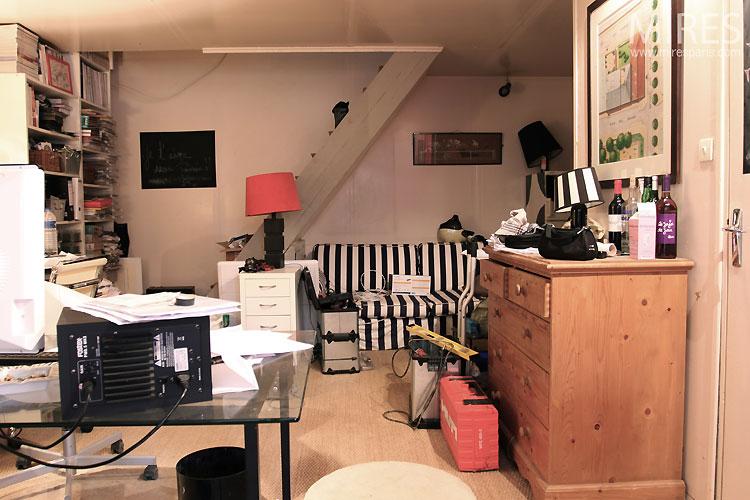 Petit bureau. C0511