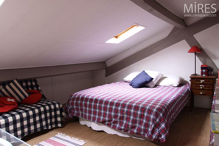 Chambre sous les toits. C0511