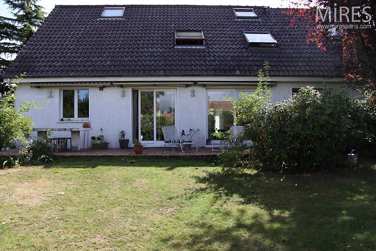 Garden and terrace. C0414