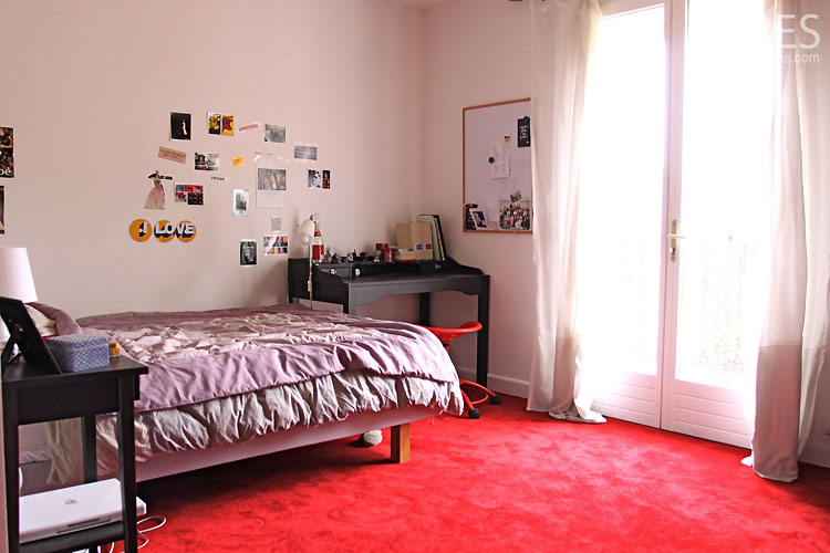 Bedroom and red carpet c0463 mires paris - Moquette epaisse chambre ...