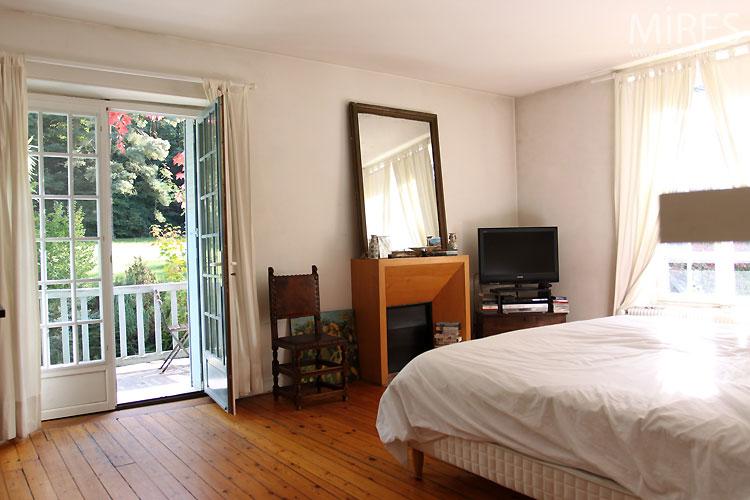 Chambre et balcon. C0436
