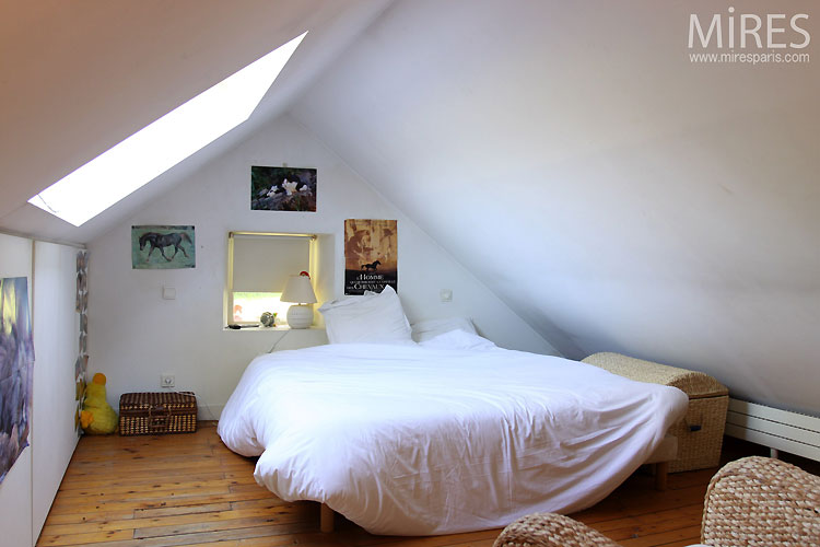 Chambre sous-combles. C0436 | Mires Paris