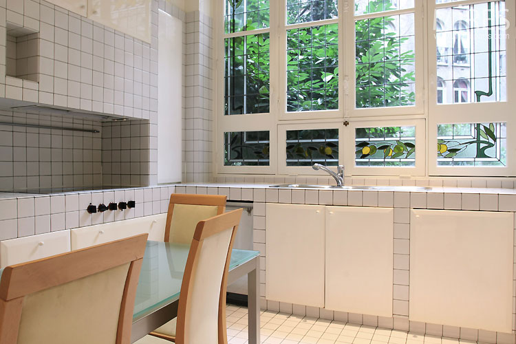 Kitchen and white tiles. C0487