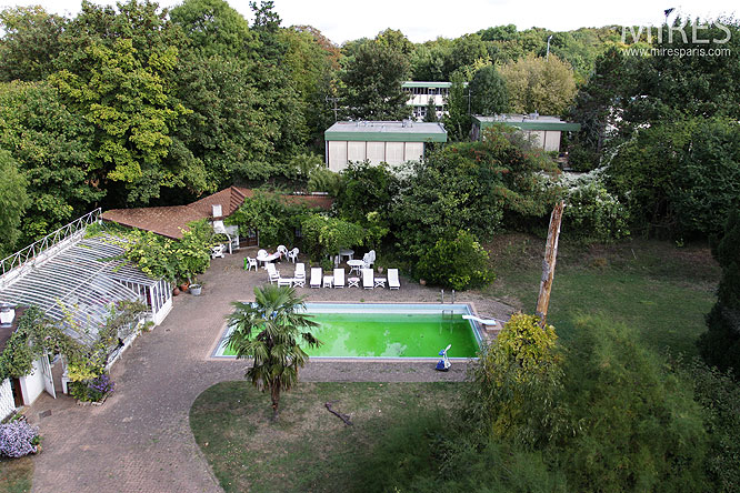 Outdoor swimming pool. C0257