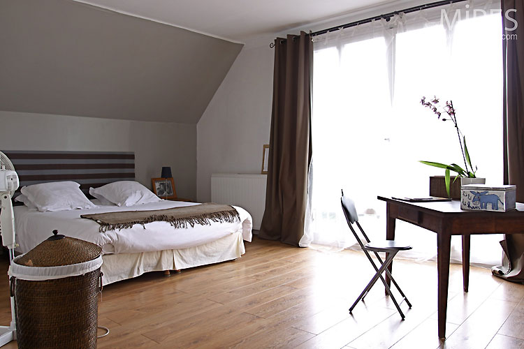 Chambre contemporaine. C0414 | Mires Paris
