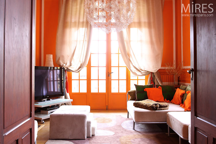 Petit salon orange. C0465