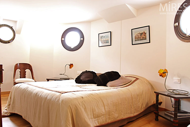 Bedroom and portholes. C0470