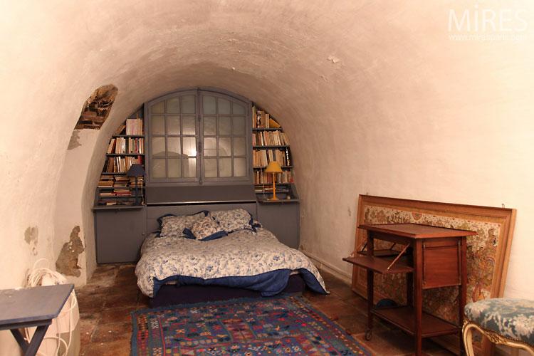 Room under vault. C0530