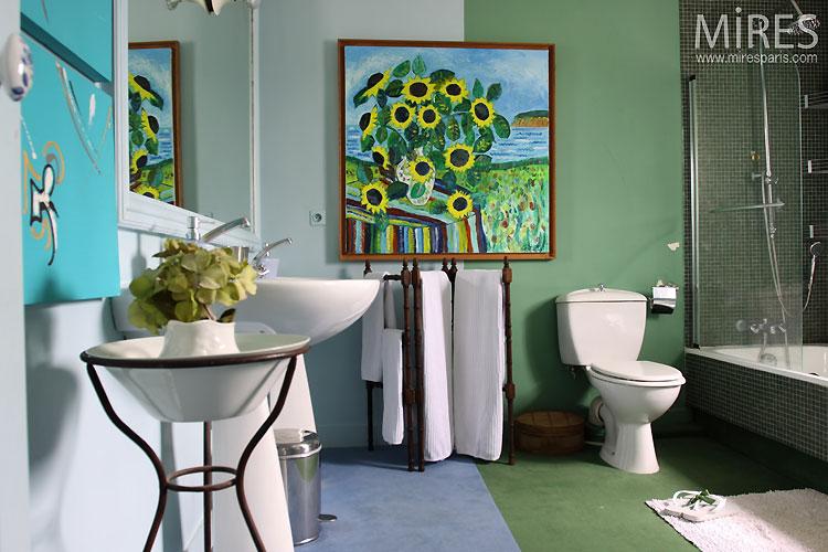 Retro bathroom. C0532