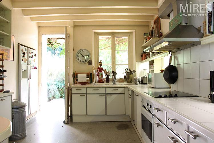 Kitchen and white beams. C0436