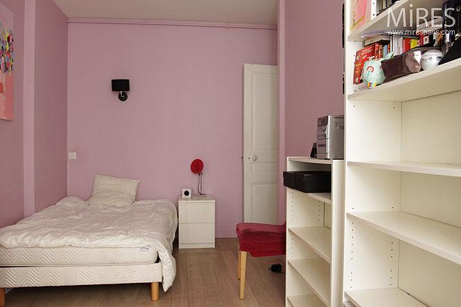 Chambre de petite fille. C0140