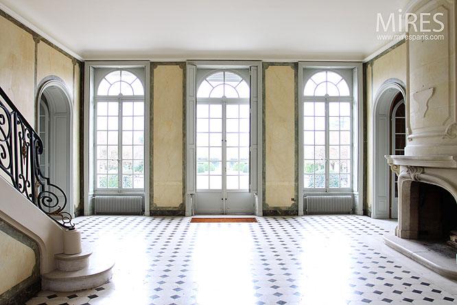 Vestibule classique. C0143