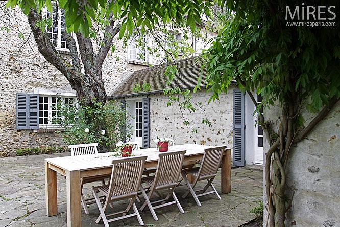 Terrasse et corp de ferme. C0132