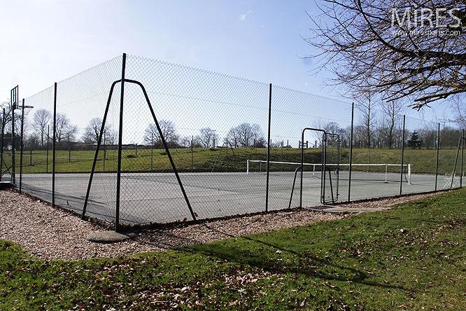 Tennis en plein air. C0283