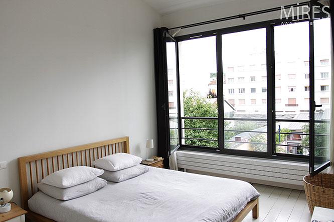 Chambre sur baie vitrée. C0137