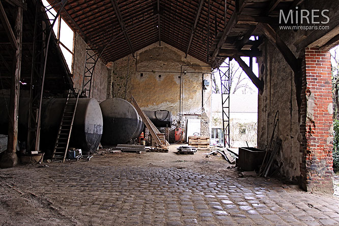 Pierre, brique, silo. C0228