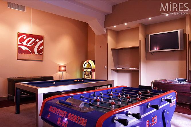 Salle de jeux. C0234