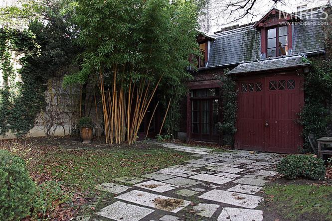 Cabinet en rez de jardin. C0235