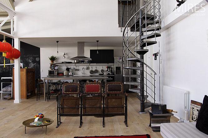 Hélicoïdal et cuisine ouverte. C0272