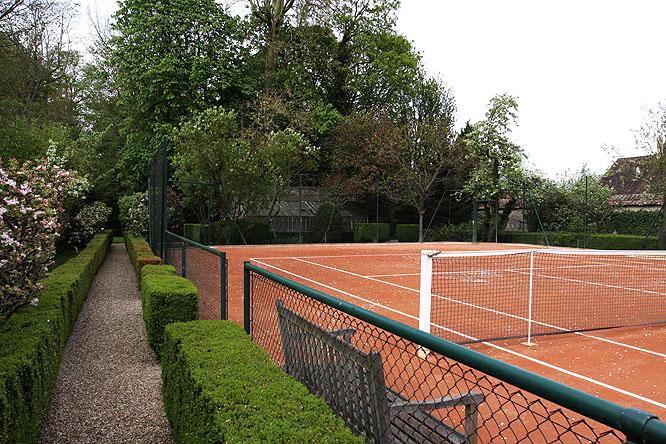 Tennis en terre battue. C0051