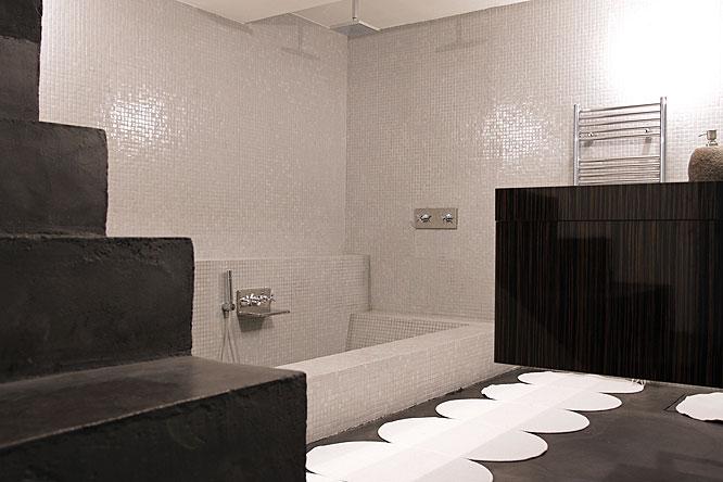 Élégante salle d'eau. C0072