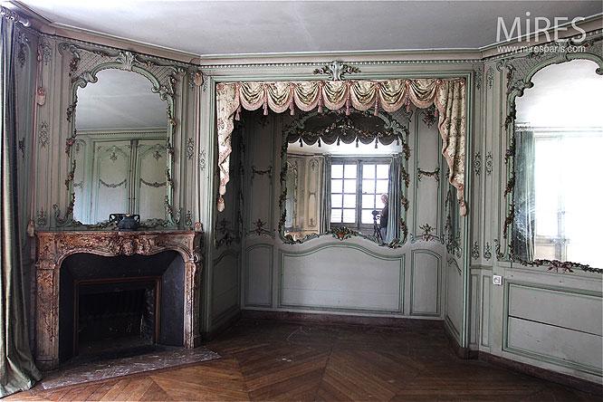 Trois miroirs, une cheminée. C0053