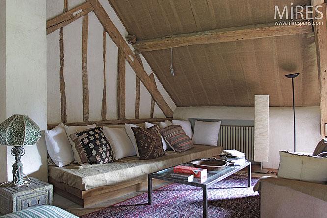 mezzanine et poutres apparentes c0082 mires paris. Black Bedroom Furniture Sets. Home Design Ideas