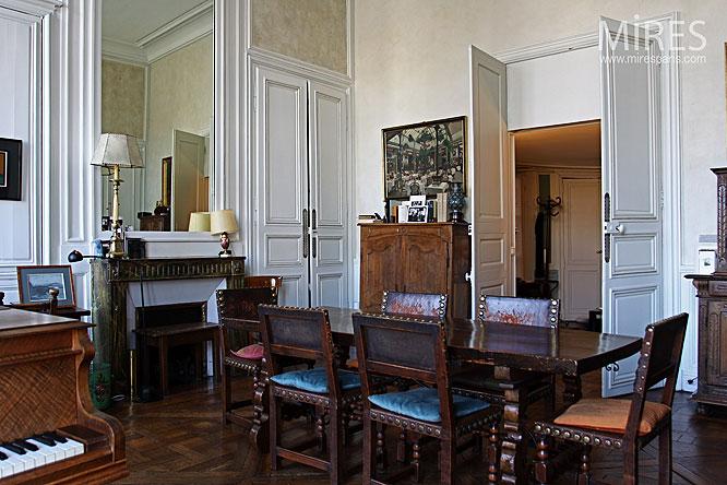 Salle à manger et meubles anciens. C0108 | Mires Paris