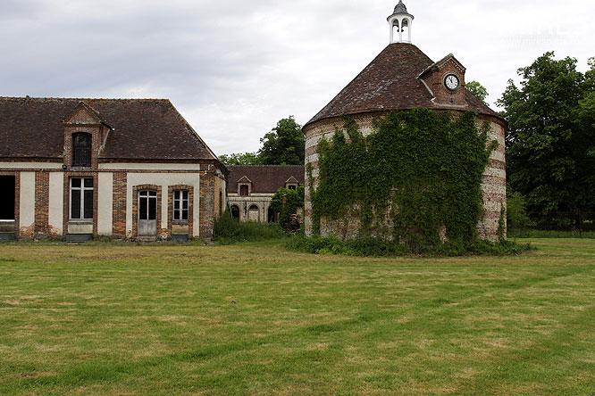 Ancien pigeonnier c0122 mires paris for Architecture 17eme siecle