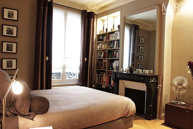 petite chambre grise c0127 mires paris. Black Bedroom Furniture Sets. Home Design Ideas