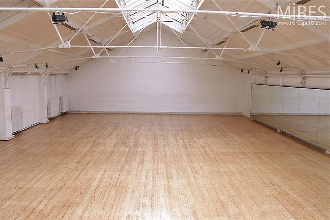 salle de danse vide c0164 mires paris. Black Bedroom Furniture Sets. Home Design Ideas