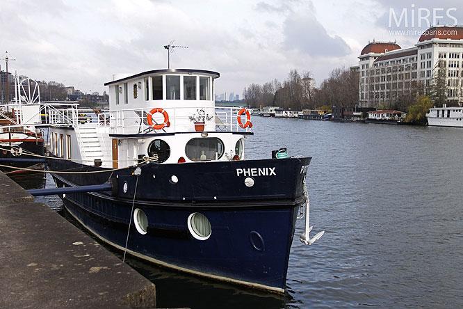 Sur les flots. C0203