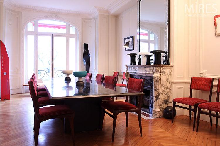 Stilish dinning room. C0479