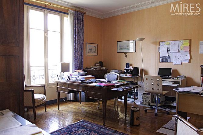 Petit bureau. C0141