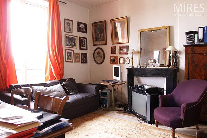 Petit Bureau. C0211