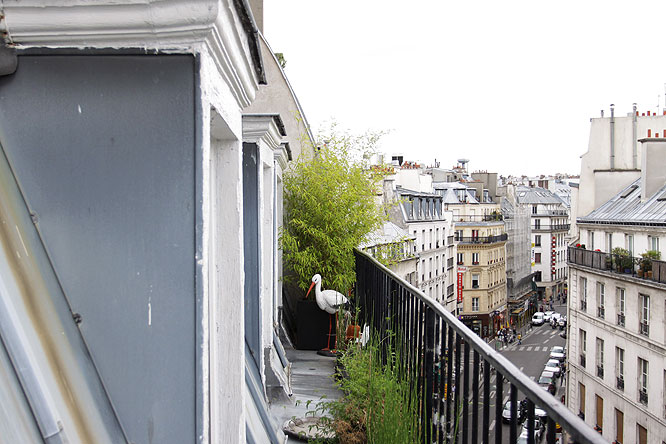 Petit balcon parisien c0136 mires paris - Decoration balcon terrasse appartement ...