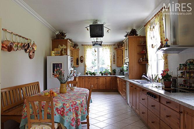 Cuisine familiale c0134 mires paris for Cuisine familiale