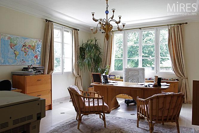 Bureau classique. C0134   Mires Paris