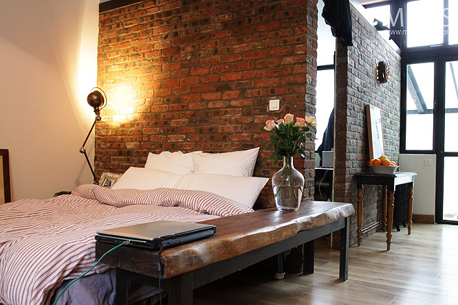 Mini loft en tage c0208 mires paris for Chambre loft