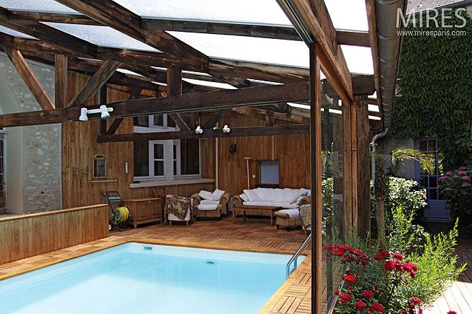 Piscine couverte c0133 mires paris for Verriere piscine