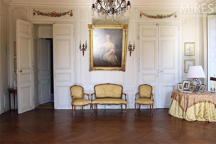Petit salon classique. C0305   Mires Paris