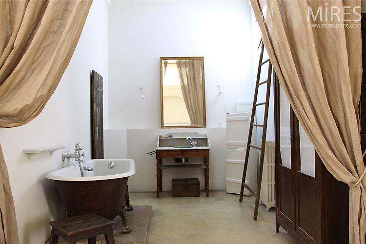 vintage bathroom c0367 mires paris