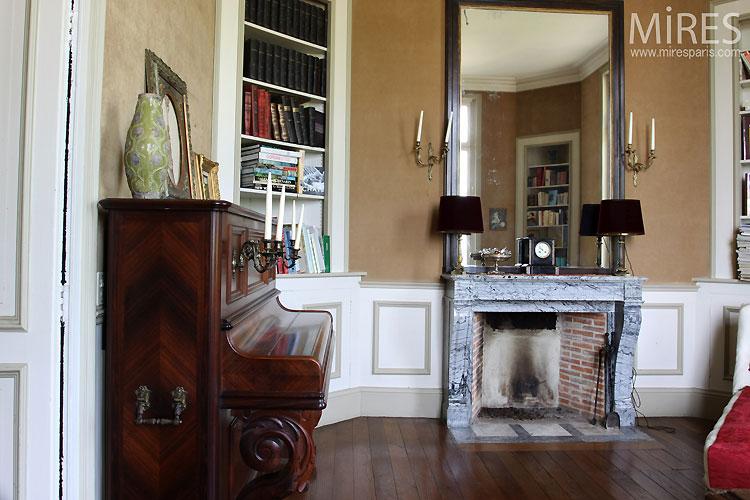 Bureau classique. C0362   Mires Paris
