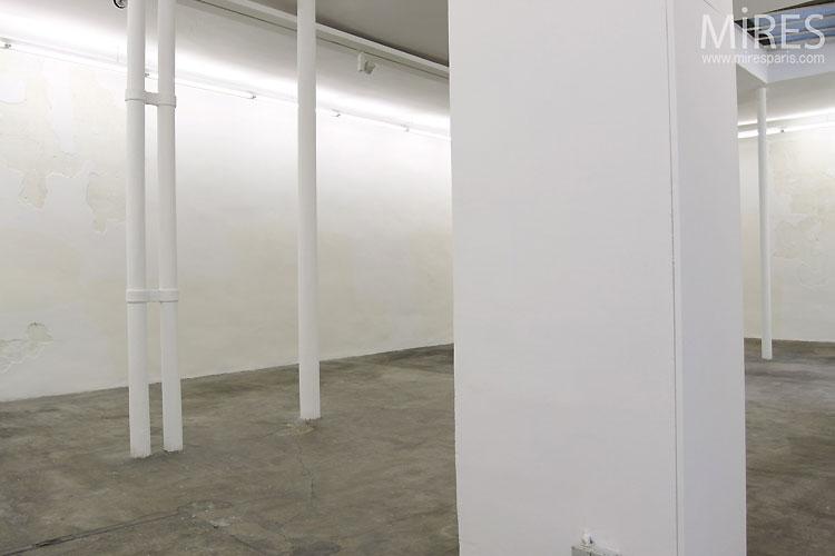 Galerie d'art vide. C0384