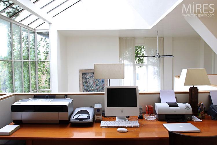 Bureau en mezzanine. c0403 mires paris