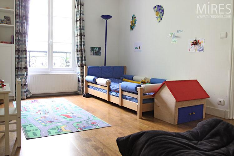 Chambre d'enfant. C0376