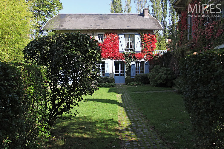 Country house. C0436