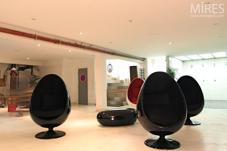 Four egg chairs. C0437