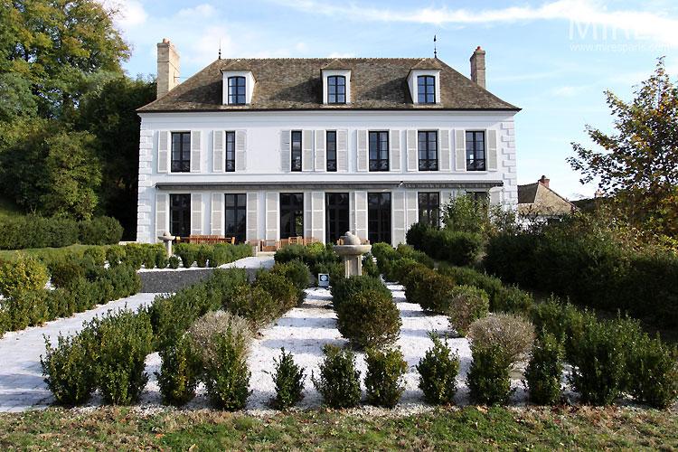 C0444 mires paris - Decoration maison bourgeoise ...