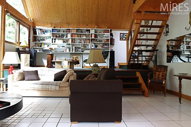 Séjour en estrade et cheminée. C0424  Mires Paris